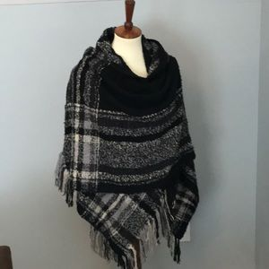 Women's wrap/shawl